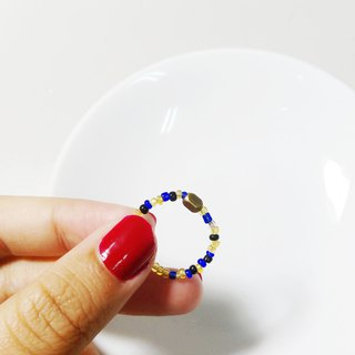 Umbrella Festival - Glass beads brass ring