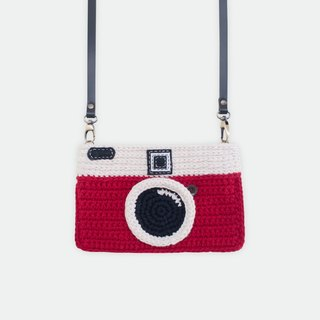 Crochet The Vintage Camera Purse/ Red Color
