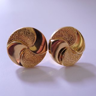 Golden pin pin earrings