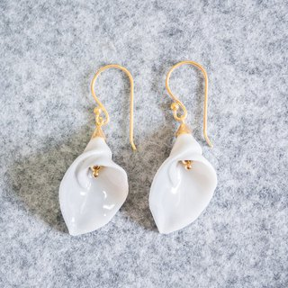 Calla Lily hook earring - white porcelain - sterling silver (925)