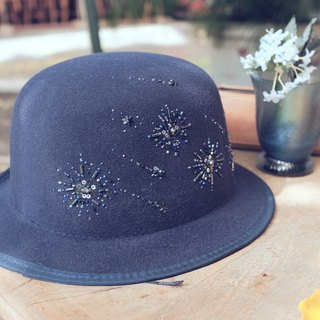 *Star of the universe*Ink blue felt hat