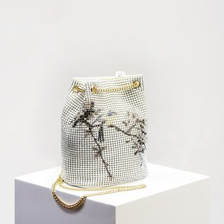 CoinQian flowers and birds bucket bag ink shoulder bag white