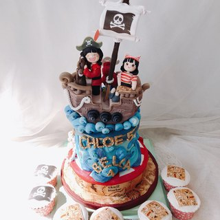 Little pirate fondant cake