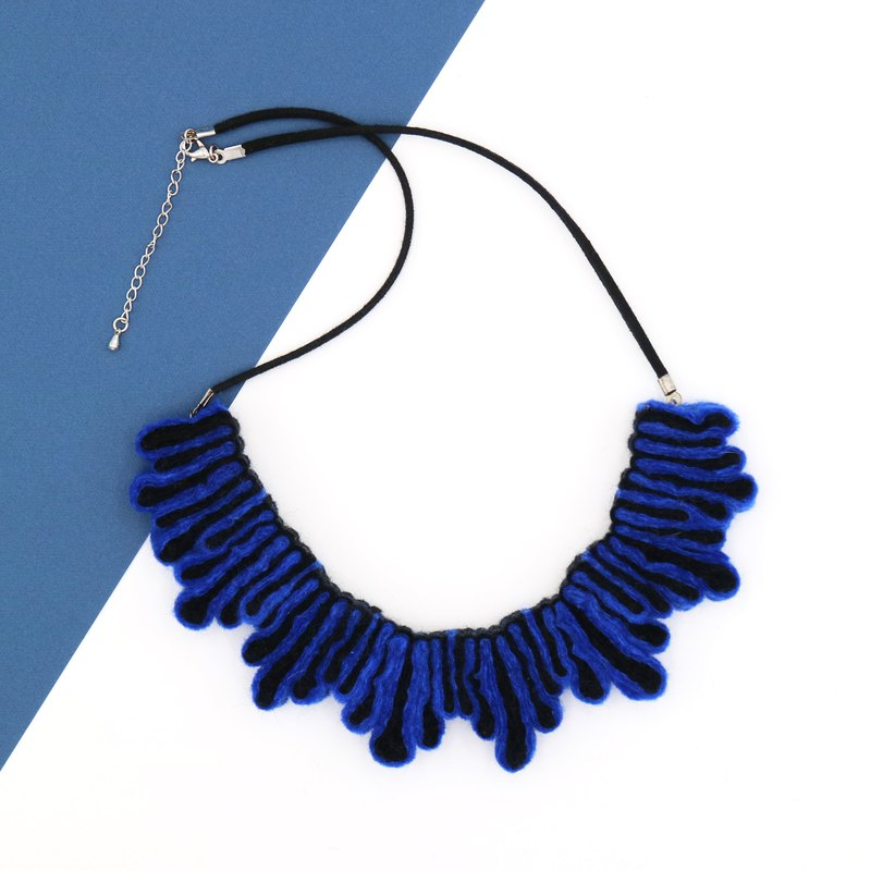 Splash Necklace – Blue Black