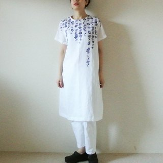 Linen · short-sleeved dress Dress White <branched plum>