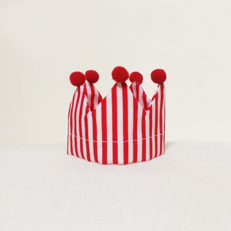 Ella Wang Design Crown Crown birthday hat pet cats and dogs red and white stripes