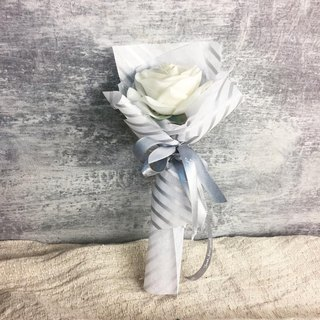 // bouquet gift box // pure love white silk bouquets of roses with dried flower card / lover ceremony sisters birthday ceremony
