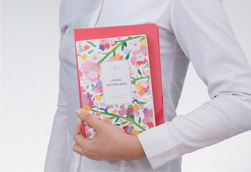Spring Pattern Note 春日花朵筆記本 - 水墨花朵