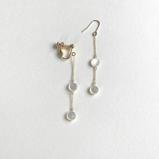 Star map(earrings(clip-on or pierced ))