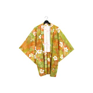 Back to Green :: Japan back and kimono feathers blooming small white flowers / both men and women can wear // vintage kimono (KC-58)