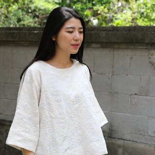 [Clothing Quietly Rejoicing] Pure Linen Embroidered Turtleneck Top Original Design