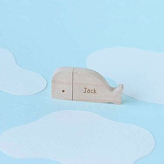 CUSTOMIZABLE Wooden Animal USB Flash drive - Whale