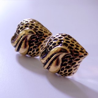 Cannibal Flower Vintage Gold Earrings (pin type)