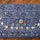 【樂拍子】公平貿易 泰北手拿包 / I Pad保護套 / 平版電腦保護套 / 13吋筆電保護套(藍染)
