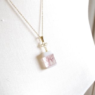 Perfume bottle-like glass pendant <rose water>