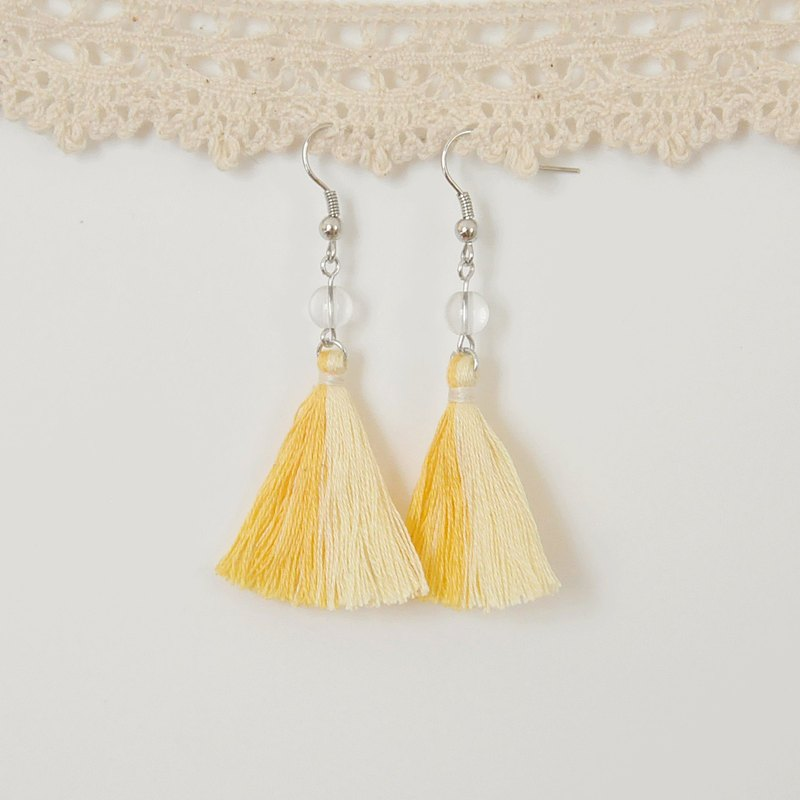 Armei tassel. Fresh yellowish yellow. White crystal. Earrings Two Colorway Tassel. Shiny Yellow Light Yellow. Crystal. Earrings