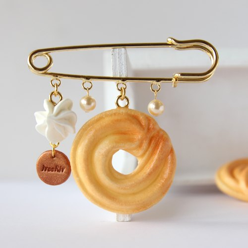 Handmade simulation cream spiral small cake pin brooch (Christmas gift wrap)