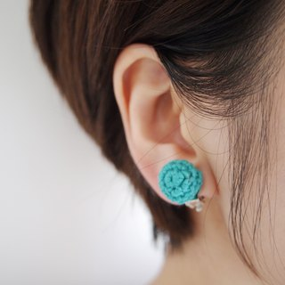 Green green hand-knit lace earrings