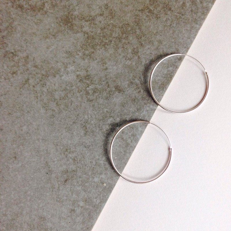 Minimalist Circle 925 Silver Earring Single sold