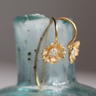 Earrings Chrysanthemum 2way hook