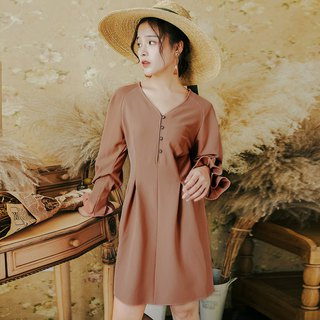 Early autumn clothing new 2018 centuries retro fashion trumpet sleeves waist V-neck dress dress