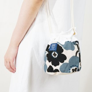 Side back bucket bag _ 紫苑花