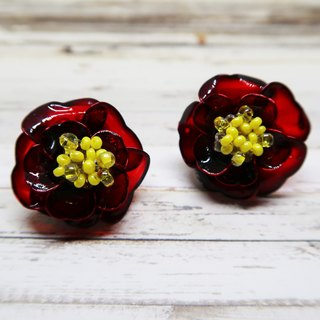 Miss Paranoid Paranoia Miss Red Pile Flower / Camellia Resin Earrings 925 Silver Needle