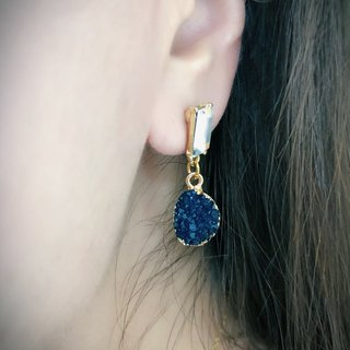 Simulated ore earrings with T-drill ear