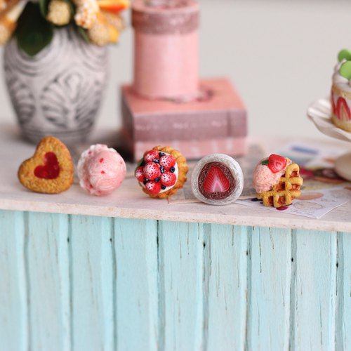 Strawberry Season Miniature Earring Set