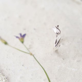 White tulip ring silver 925