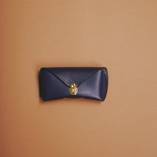 Fete navy blue vegetable tanned skin spectacles case glasses case