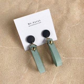 Leather earrings _ ear pin _ round ribbon 1 work _ dark blue with mint green (can be changed)
