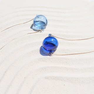 Ocean drop necklace (blue wave pattern)