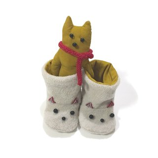 babygift   Baby booties of the cat    ivory X Mustard yellow
