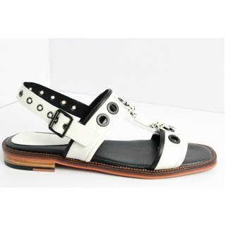 White round hole with horizontal sandals