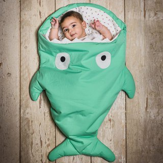 [Spanish] Shark bite a BabyBites cotton baby multi-purpose sleeping bag - green grass green