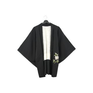 Back to Green-Japan brought back feather weaving hand-painted white quiet flowers / vintage kimono