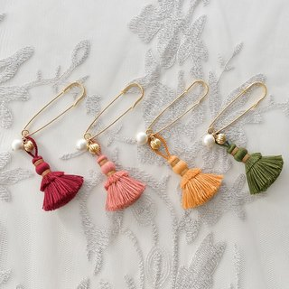 "Brooch / Tassel Brooch ""Autumn"""