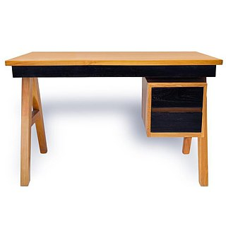 Helvig working desk