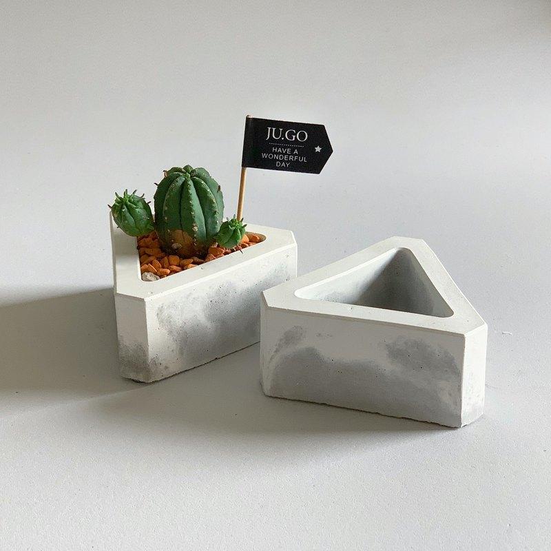 【買盆送植物.24H寄出】三角水泥盆栽 @JU多肉
