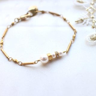 Snow season-Pearl brass bracelet