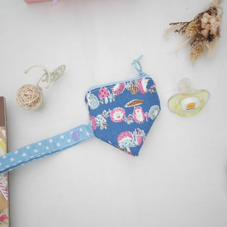 Hedgehog three-dimensional triangle pacifier bag.