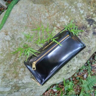 LaPoche Secrete: Meet the daily girl _ water washed mo leather clip _ shiny black