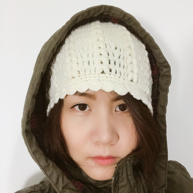 Lady rice white shell wool cap
