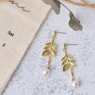 Handmade pearl brass earrings winter leaf custom clip earrings