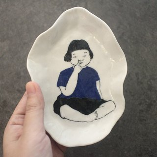 Hand-painted child storage tray with nose (Ceramic 01)