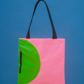 80s design style - geometric contrast color waterproof bag (powder green) Pre-order