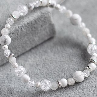 Snow time. Natural ore sterling silver bracelet bracelet white turquoise white crystal delicate and translucent
