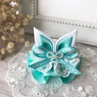 Lace rabbit ear waltz / lake green