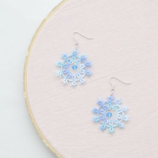 【訂製】手編雪花 耳環 幻彩藍 Tatting Snowflake Earrings